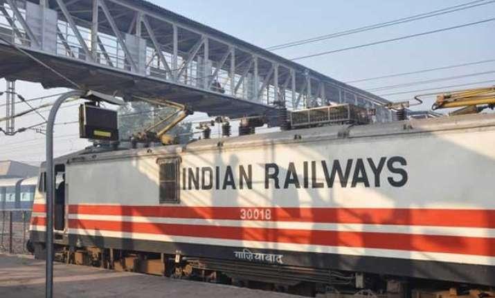 google maps adds indian railways schedules