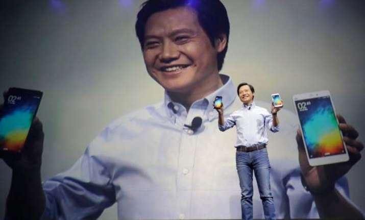 xiaomi takes on iphone 6 plus with mi note phablet
