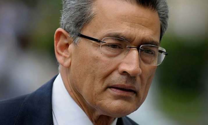 rajat gupta to finish insider trading sentence at home with