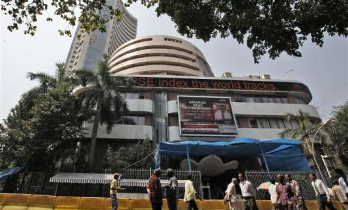 fiis pull out rs 800 crore from stock market