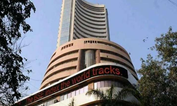sensex gains 107 pts in early trade on manufacturing data