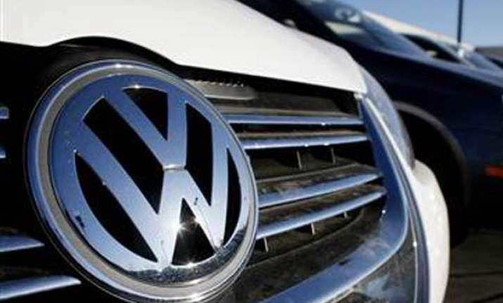 volkswagen world s biggest automaker sells more vehicles