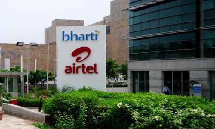 airtel q4 net up 30 to rs 1 255 cr on mobile data revenue