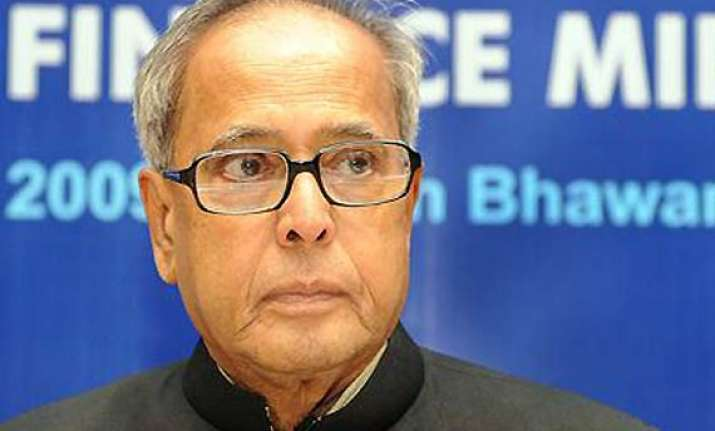 india s economy moving in positive direction says pranab