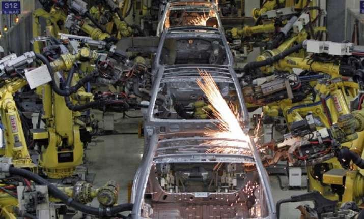indian economy sees positive momentum oecd