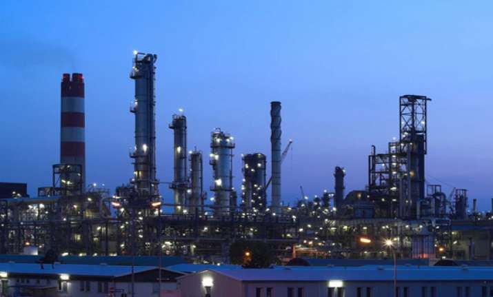 indian oil refiners want exemption from withholding tax for