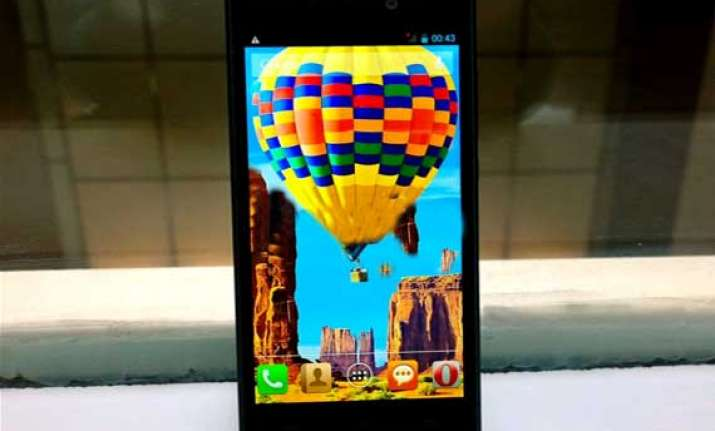 intex aqua i5 hd with 13 megapixel camera launched at rs 9