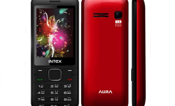 intex launches dual sim phone aura for rs 1 690