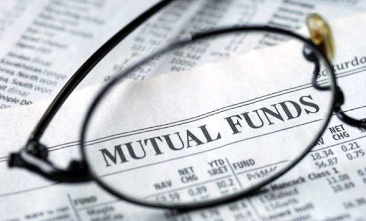 investors pump in rs 1 lakh crore in mutual fund schemes in