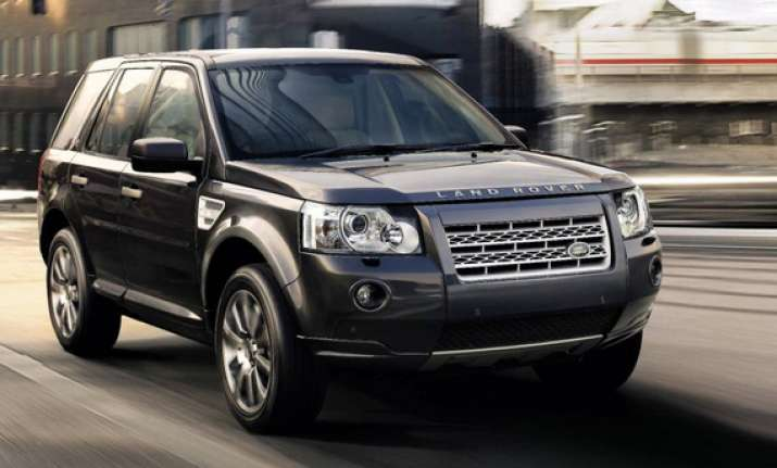 cars and bikes of Dhoni: Land Rover Freelander 2