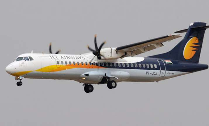 jet flies deeper into red q4 loss widens to rs 2 153 cr