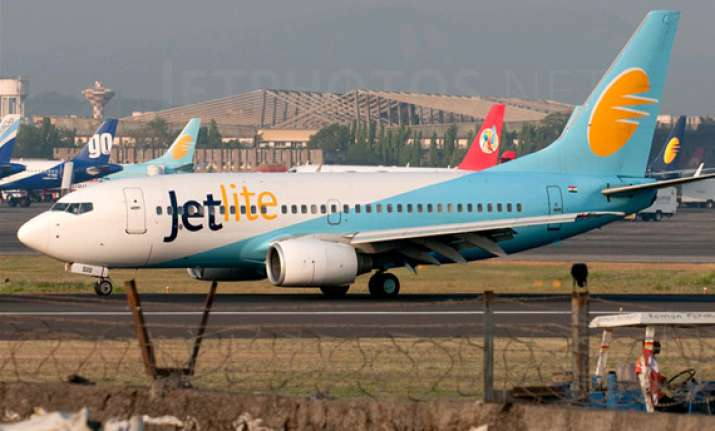 jetlite to pay rs 2 lakh compensation to flyer