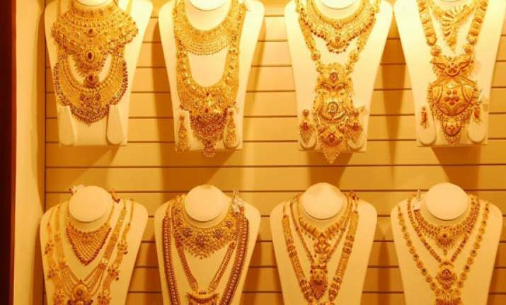 kalyan jewellers to invest rs 1000 cr in fy 15 on expansion