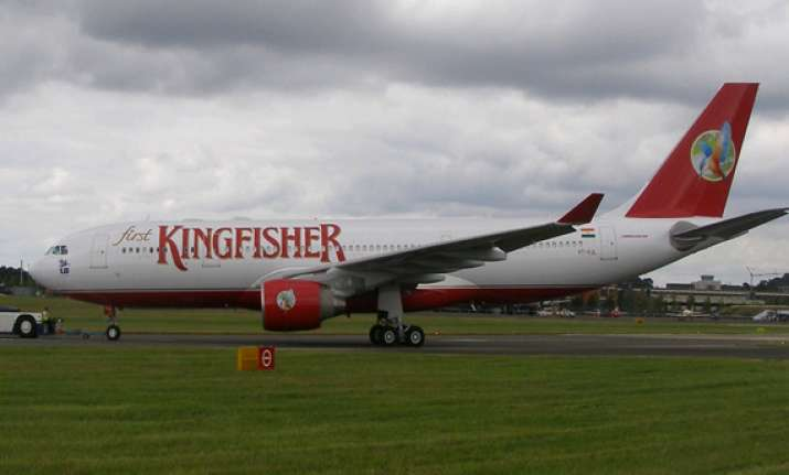kingfisher airlines captain moves hc for unpaid salary