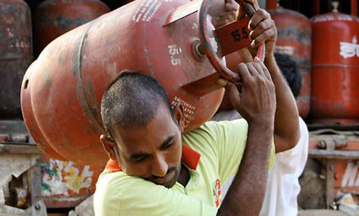 lpg tax hike rolled back by 2 per cent in maharashtra