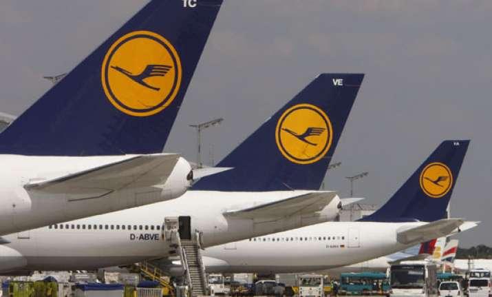 lufthansa to offer wirelessly streamed in flight