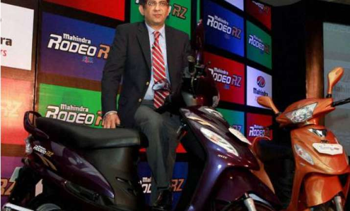 mahindra two wheelers launches rodeo rz sports