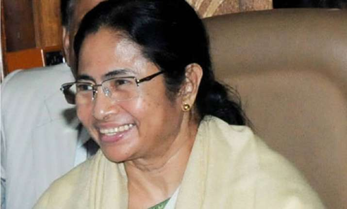 mamata woos india inc says bengal better for investment now