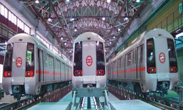 metro rail for yamuna expressway city