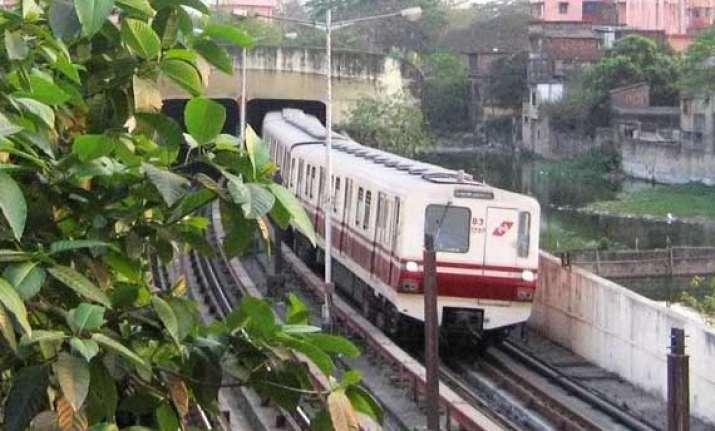 minister stalls kolkata metro tariff revision