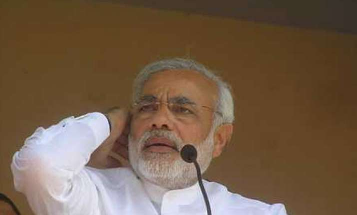 modi says upa pushing india to the brink