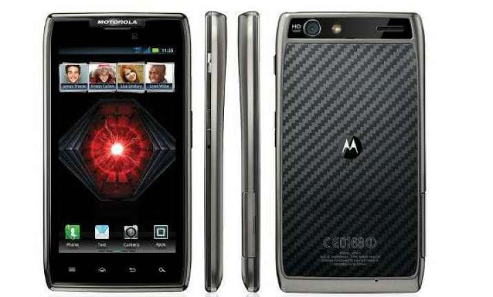 motorola to launch razr maxx in india at rs 31 999