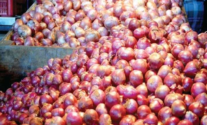 nafed floats tender to import onions amid high domestic