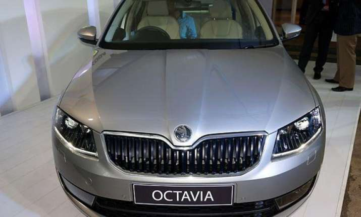 new 2013 skoda octavia unveiled in india to go on sale in