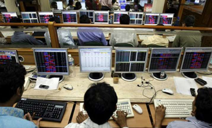 nifty recovers early losses remains above 5 900 mark