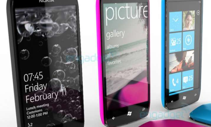 nokia to launch windows phones in india for less than rs.