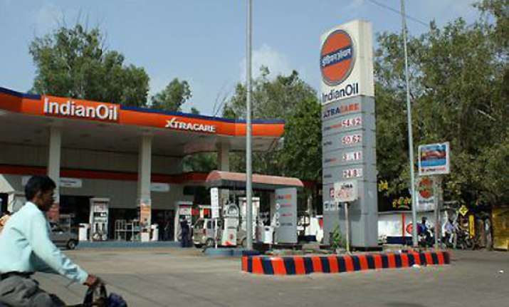 oil cos ultimatum to centre on fuel price hike