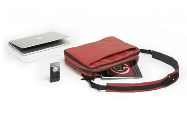 phorce smart bag charges your gadgets on the go