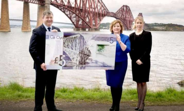 plastic banknotes to be released in scotland in 2015