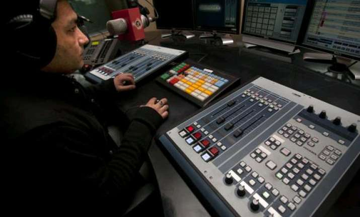 pvt fm radio may be allowed to broadcast news