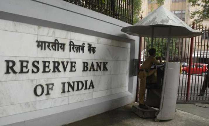 rbi queries applicants regulators on new bank licences