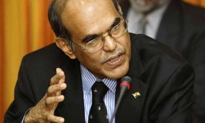 rbi governor d subbarao appears in delhi court in 2g case