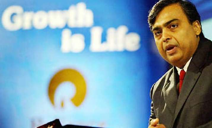 ril q2 net profit up 16 pc at rs 5 703 cr