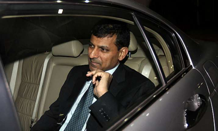raghuram rajan hints at hike in interest rate to check