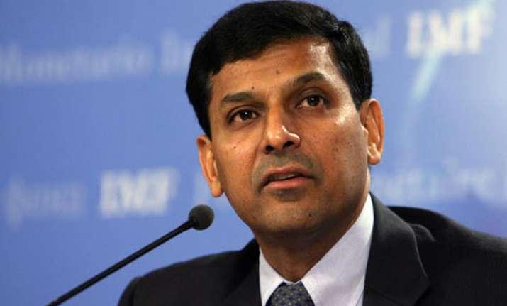 rajan meets fm discusses economic situation