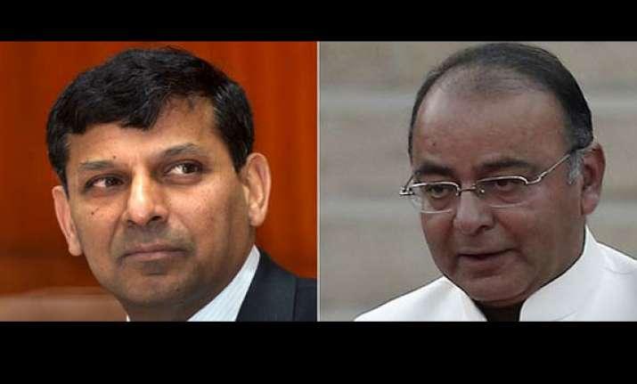 rajan meets jaitley discusses inflation economy