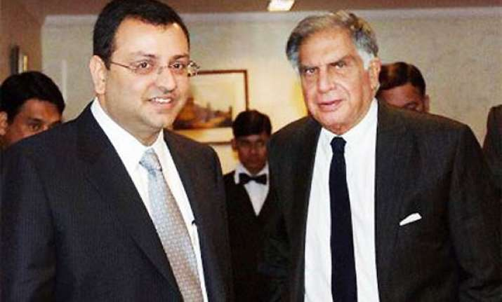 ratan tata welcomes cyrus mistry at tata nagar