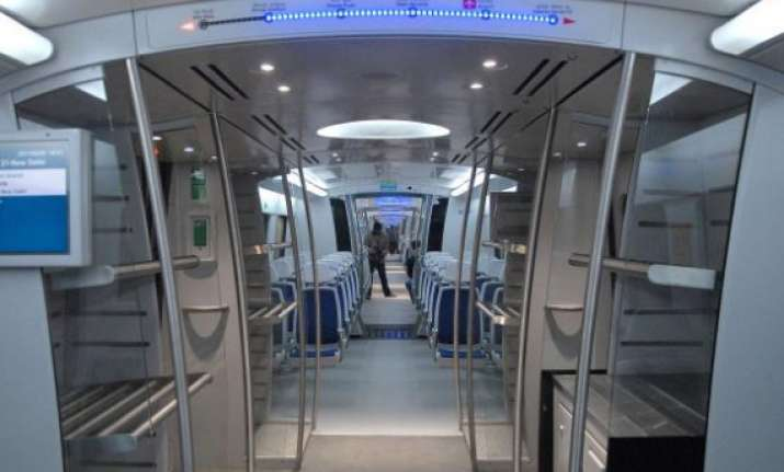 reliance infra refuses to operate delhi airport metro line