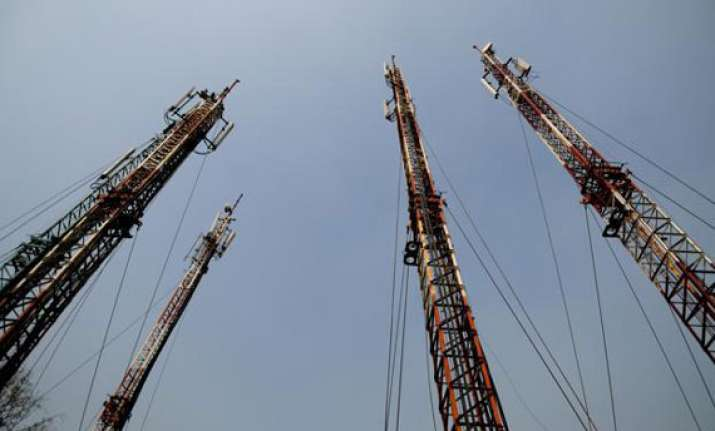 reliance jio in tie up with bharti infratel for tower use
