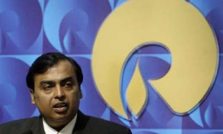reliance industries cash pile may soar to rs 1.25 lakh cr