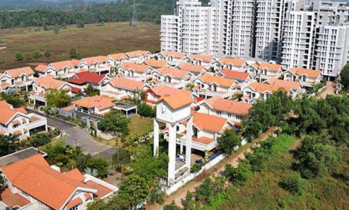 report sales volume of listed real estate companies drops 43