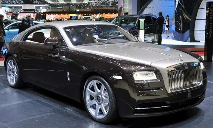 rolls royce wraith launched priced at rs 4.6 cr