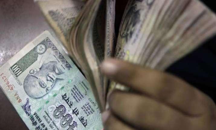 rupee logs biggest loss in 3 weeks down 36 p at 62.20 vs usd