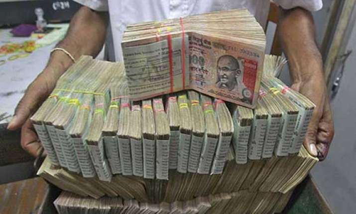 rupee logs worst drop in a month down 44p at 60.19 vs dollar