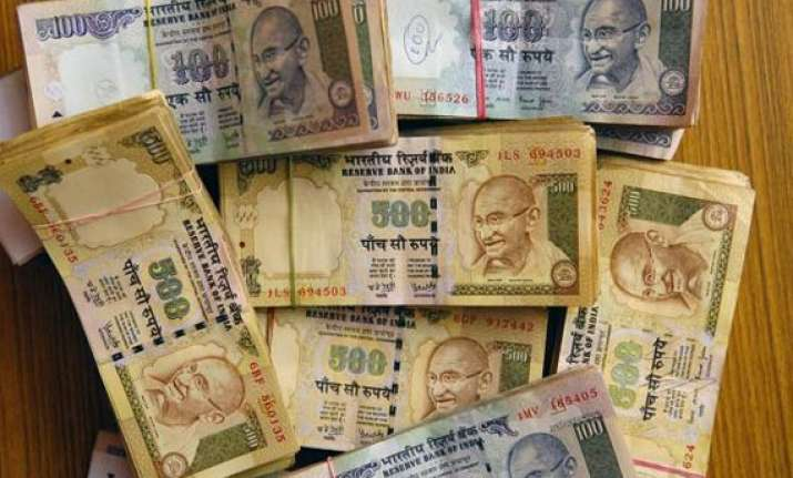 rupee snaps 3 day losing trend ends 6 paise up at 61.59 vs