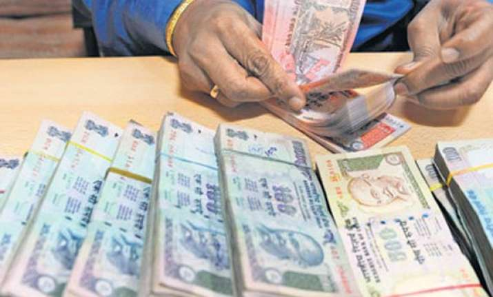 rupee s free fall continues breaches 52 level